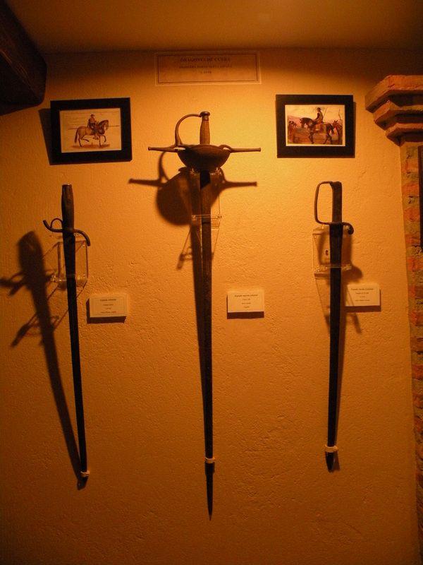 Espadas usadas por los Dragones de Cuera