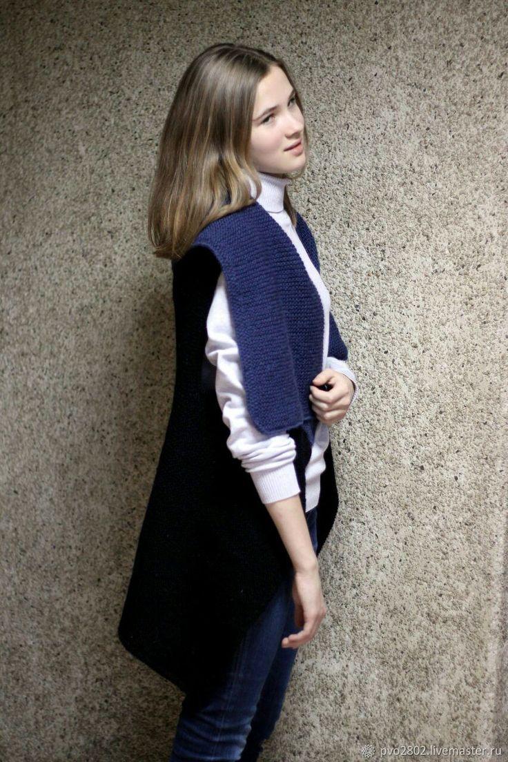 Купить Уютный жилет - васильковый, платье, платье вязаное, для офиса, для отпуска, абстрактный, воротничок, жилет