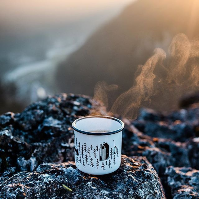 A cuppa. // Checked out some rocks today and experienced some quality time on my own, exploring. Another day well spent. I intend on doing that more often in 2017. PS: I love this mug. . . . . #wanderlust #gooutdoors #neverstopexploring #weroamgermany #kemaigetslost #outdoors #rocks #sundown #cupoftea #ig_germany #badenwürttemberg #schwäbischealb #schwabenländle #meinbw #wirsinddraussen #exploretocreate #exploremore #thevisualscollective #mehrbrauchichnicht #thegoodlife #thesimplethings…