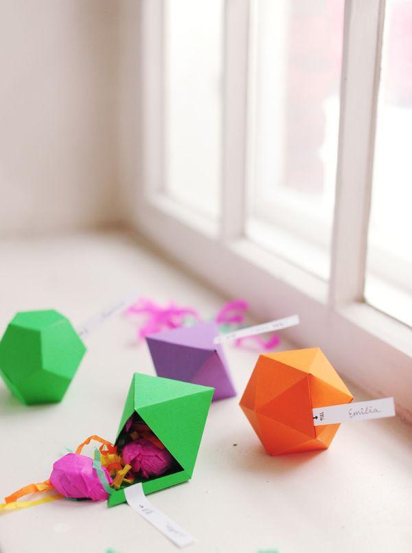 geometric favor boxes: Diy Ideas, Diy Geometric, Parties Favors, Diy Gifts, Parties Ideas, Favors Boxes, Geometric Favors, Places Cards, Gifts Boxes