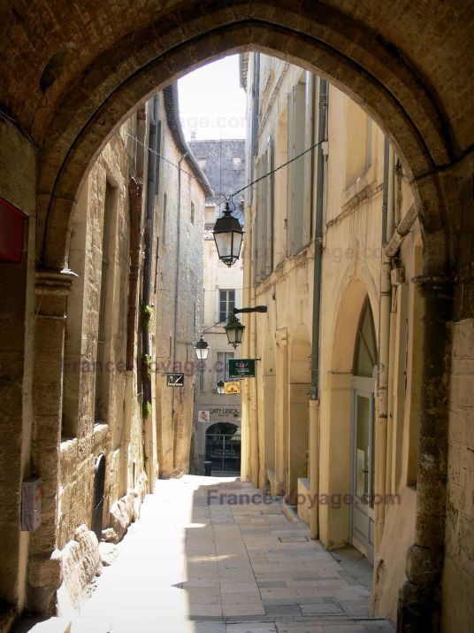 Montpelier, France.....take care of my baby...: Travel Photos, Baby