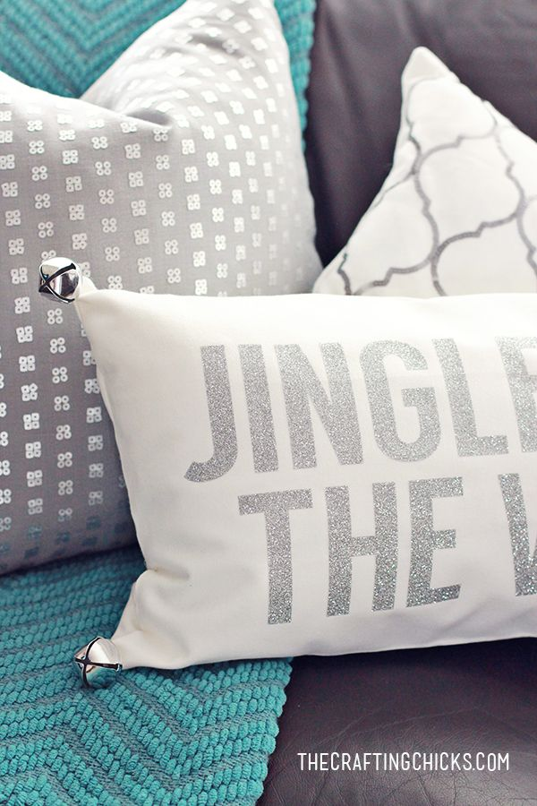 Diy Decorative Christmas Pillows : DIY Jingle All the Way Christmas Pillow All., Christmas decor and 4).
