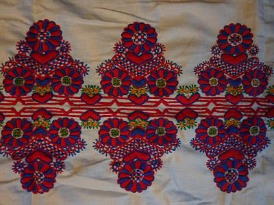 parna vintage linen and hemp: Traditional Hungarian Embroidery (1) - Buzsák