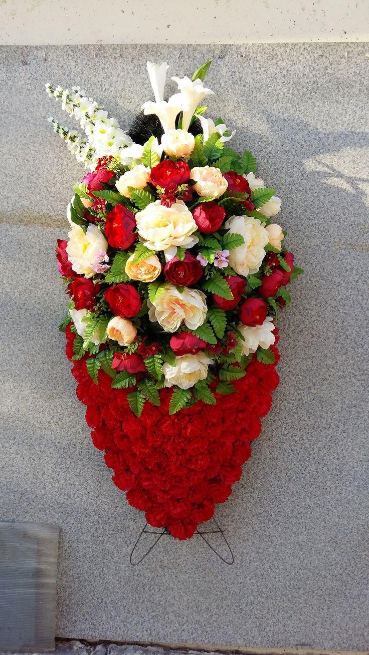 Ритуальные венки | Искусственные венки | Похоронные венки | Траурные венки | Модель 040 | Купить венок | Живые венки