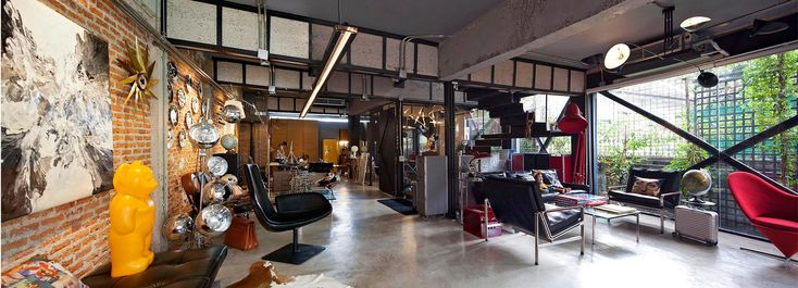 Spc Technocons Renovates 30 Year Old Townhouse In Bangkok Into Green Flowing Residence Residences Townhouse Renovations