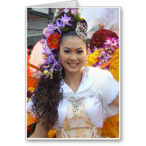 Yim Yai (Big Smile) - Yim Yai is Thai for big smile. When in Thailand you see many many big smiles. In fact its known as the land of smiles. Looking at this picture its not hard to see why. #smile #smiles #grin #happy #flowers #flower #parade #festival #fun #girl #girls #hair #costume #outfit #fancy #chiangmai #thailand #thai #oriental #orient #tropical #southeastasia #female