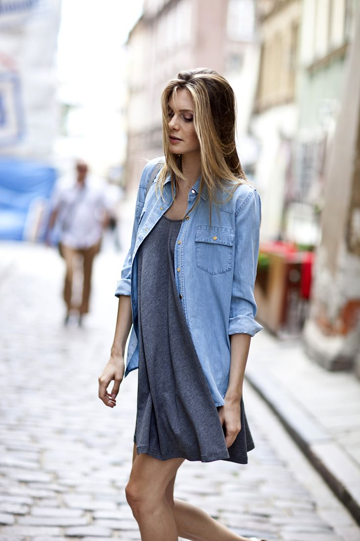 Top up your wardrobe with off-duty denim JEANNY shirt! #LaMania (photo: Asia Typek)