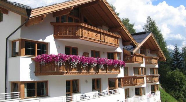 Appartements Fliana St. Anton - #Apartments - $135 - #Hotels #Austria #SanktAntonamArlberg http://www.justigo.net/hotels/austria/sankt-anton-am-arlberg/appartements-fliana-st-anton_44458.html