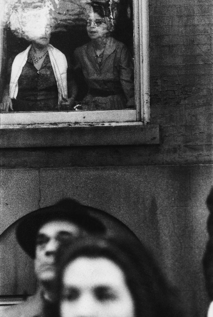"""""""MacArthur Parade"""", c. 1951       Saul Leiter"""