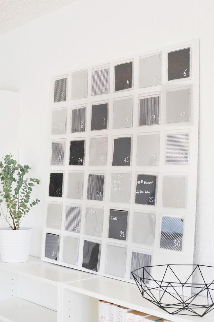 DIY: Wandkalender aus CD-Hüllen. Ich zeige euch wie ihr aus alten, leeren CD-Hüllen einen praktischen Wandkalender mit Platz zum Aufbewahren von Tickets o.Ä. bastelt. Die Schritt-für-Schritt-Anleitung für das Upcycling-Projekt findet ihr hier: https://bonnyundkleid.com/2017/01/diy-wandkalender-aus-cd-huellen/