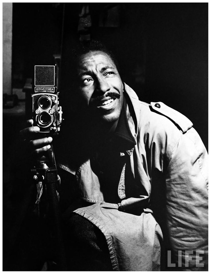 best self portrait photographers images self self portrait by photographer gordon parks