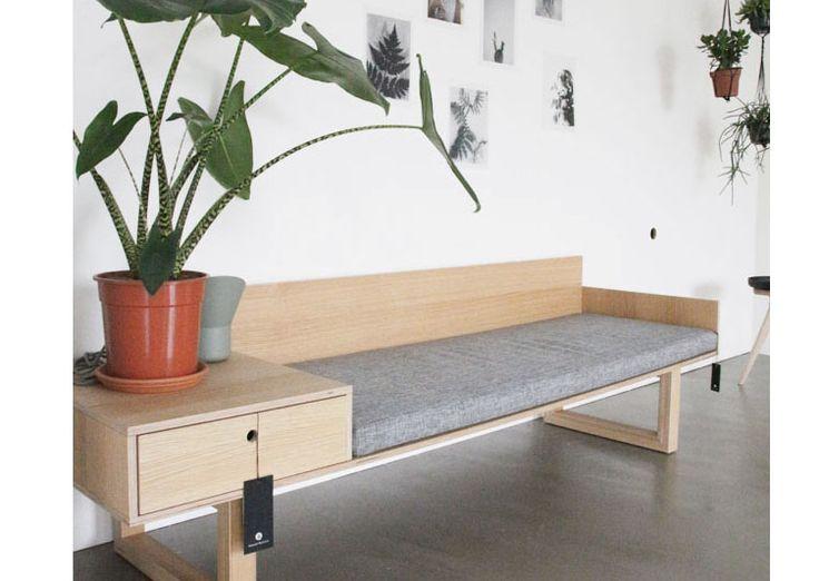 Banquette OAK design japonais 1300€ + LIVRAISON GRATUITE - Un design très épuré rappelant le design Japonais (Tokyo) aux lignes très sobres et inspirées par l'ambiance japonaise dans laquelle le designer baignait à l'époque.