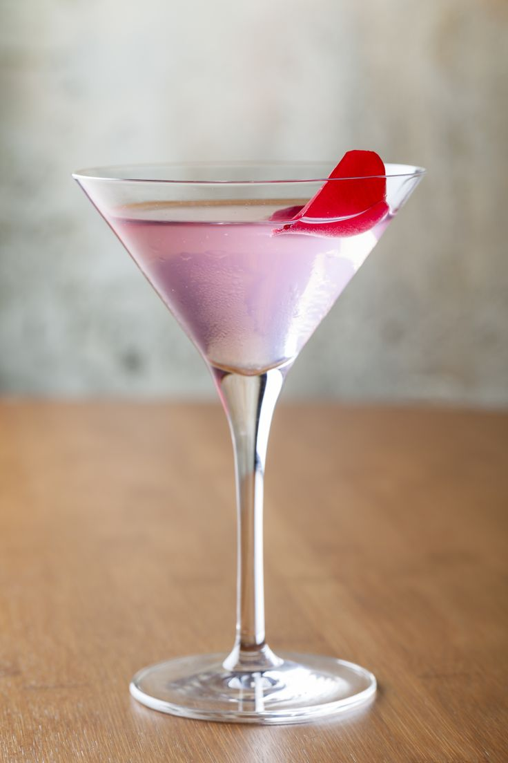 Rose Cheek Martini  #houseofho #oldcompton #soho #cocktails  www.thehouseofho.co.uk