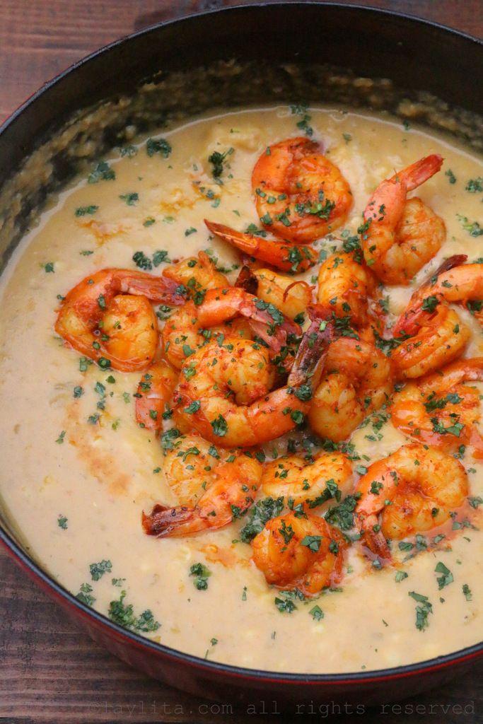 Shrimp and corn chowder {Locro de camarón y choclo}
