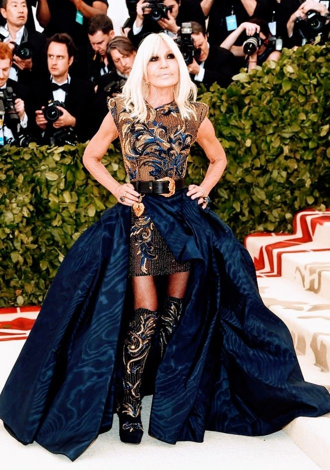 Donatella Versace Dress In 2020 Met Gala Looks Met Gala 2018