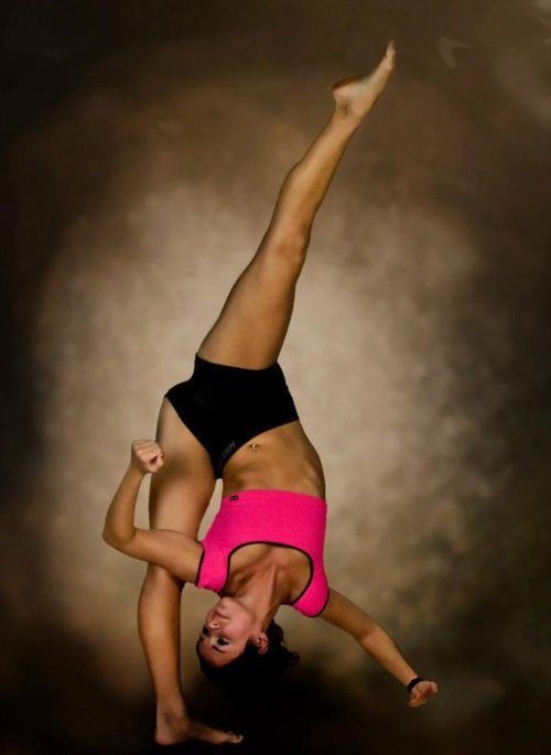 Brooke,I am the biggest dance mom fan ever!i know everything about dance moms.you are my inspiration.i have learned have of my acro tricks from you!i love you!