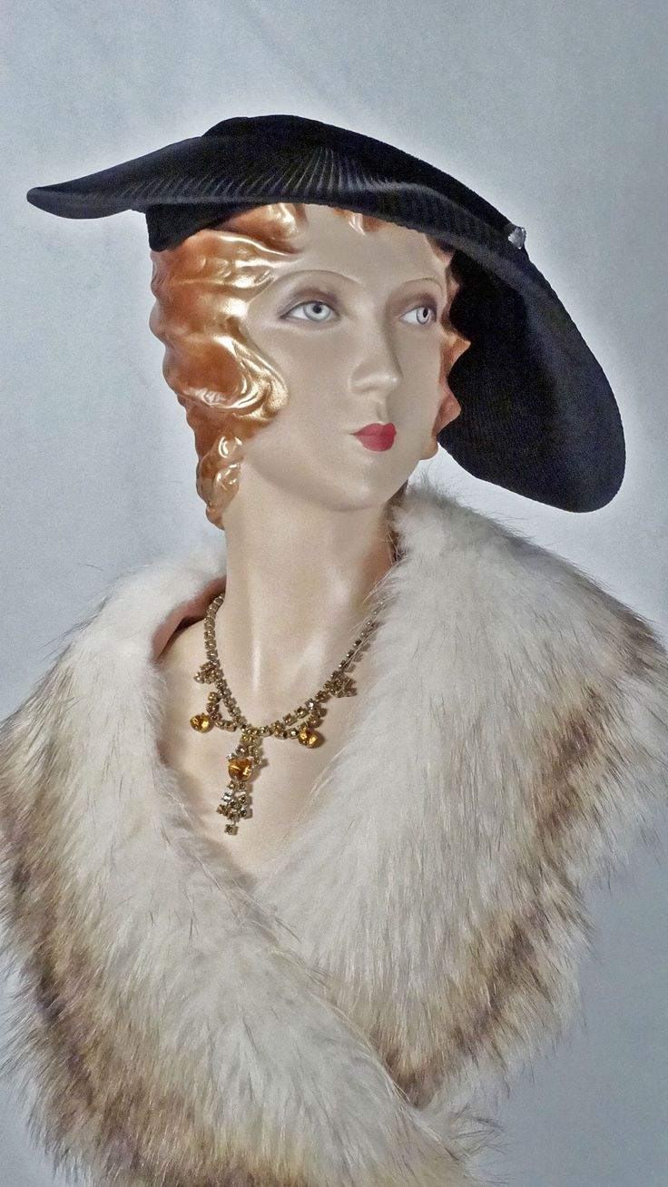 1940s Old Hollywood glam black satin pleated platter hat with rhinestone trim
