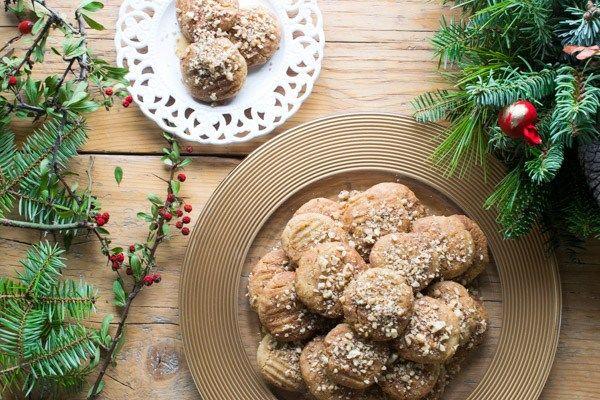 Greek Christmas Cookies With Honey (Melomakarona)