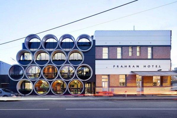Pubarchitectuur met betonnen duikers in Melbourne I Gimmii Magazine