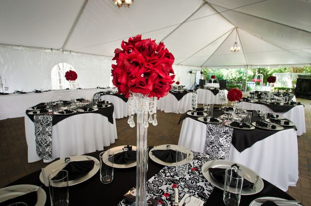 Black white red damask wedding party ideas wedding 13 for Black and white reception tables