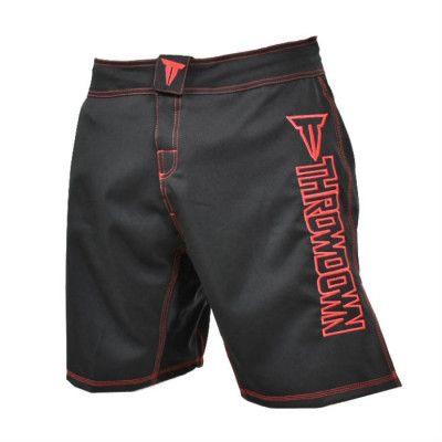 Throwdown Competition MMA Short 2.0 Bl/R är de perfekta shortsen när du utför MMA. Shorts tillverkade med snabbtorkande material och hook and loop midjeband för en enklare storleksjustering.