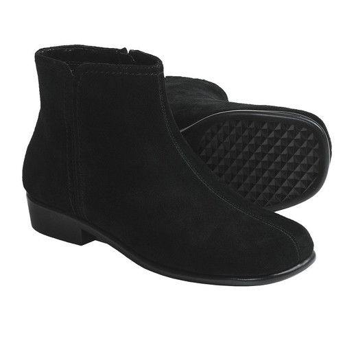 "@Frans_Fashions Aerosoles Duble Trouble Black Suede Ankle Boot Size 9.This cute light weight ankle boot is brimming with good looks and style, from the tonal stitching to the clean, simple lines. With a low 1""  approx. heel, side zipper entry and rubber sole that is both cushioned and flexible, these must-have boots will be an exciting addition to any wardrobe. Team up with a great long skirt, big sweater, you'll look fabulous and feel great at the same time."