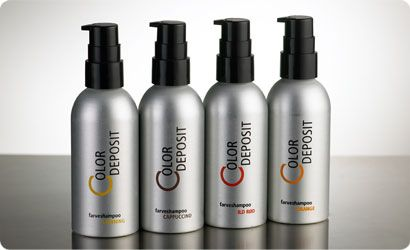 COLOR DEPOSIT Med tiden taber en hårfarve sin intensitet og glans. Med COLOR DEPOSIT kan du forlænge din hårfarves holdbarhed, intensitet og glans. Når du anvender COLOR DEPOSIT udlignes forskellen mellem din hårfarve og det nyudvoksede hår. Vælg den farve der passer til netop din hårfarve. Der findes både varme og kolde nuancer.  Varme nuancer: Honning, Orange og Ild Rød. Kolde nuancer: Platinium og Cappuccino.