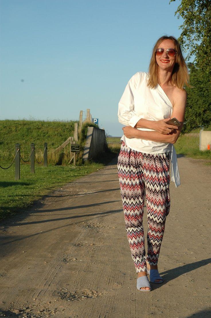 Schulterfrei im 80er Stil -> Oceanblue Style at Manderley #fashionblog