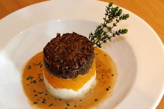 Haggis, neeps & tatties at The Pipers' Tryst.