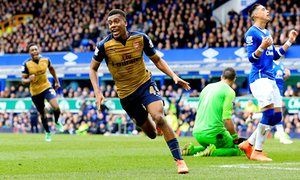 Danny Welbeck and Alex Iwobi put Arsenal back on track at Everton