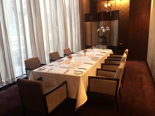 est. PRIVATE DINING ROOM | Elegant Dining at its Best: great service, food and wine.