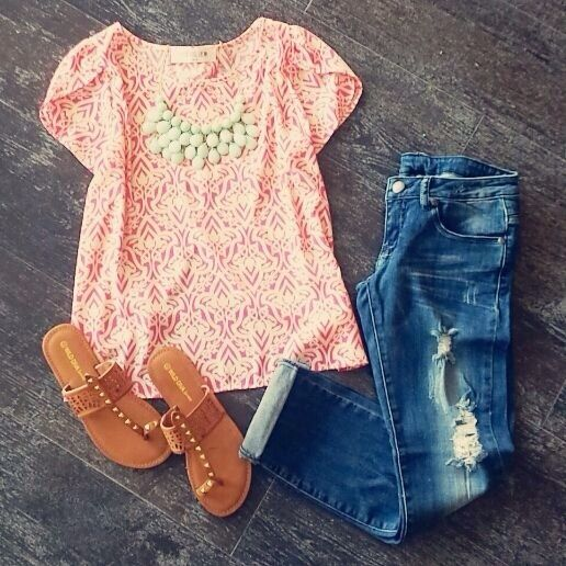 boyfriend jeans / peach lace top / brown leather sandals / spring outfit