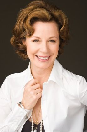 Interior Designer And Author Barbara Barry Will Be Honored As The 2014  Design Icon During Winter Las Vegas Market, Jan.