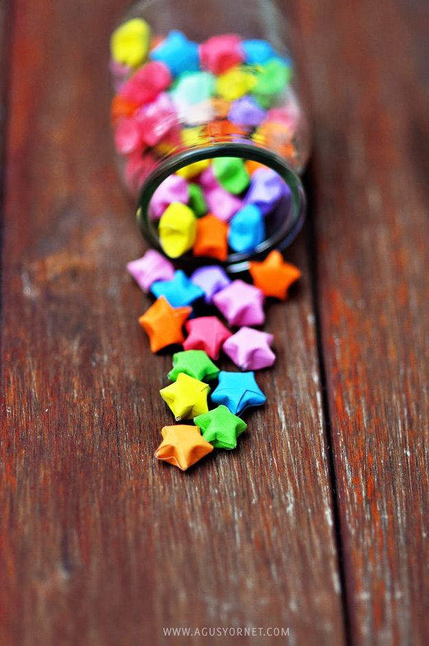 Cool DIY Ideas for Fun and Easy Crafts - DIY Origami Stars are a Fun and Easy Paper Craft Idea - DIY Moon Pendant for Easy DIY Lighting in Teens Rooms - Dip Dyed String Wall Hanging - DIY Mini Easel Makes Fun DIY Room Decor Idea - Awesome Pinterest DIYs that Are Not Impossible To Make - Creative Do It Yourself Craft Projects for Adults, Teens and Tweens. http://diyprojectsforteens.com/fun-crafts-pinterest