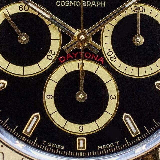 Cosmograph Daytona with 'inverted 6'  #amsterdamvintagewatches #rolex #rolexdaytona #16528 #rolex16528 #vintagerolex #inverted6 #rolexcosmograph #daytona