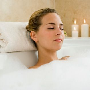 7 Steps to De-stress After a Tough Day: Skills, Feelings Better, Good Ideas, Relaxing De Stress, Health And Fitness, Inspiration Boards, Health Reminder, Bubbles Bath, Bubble Baths
