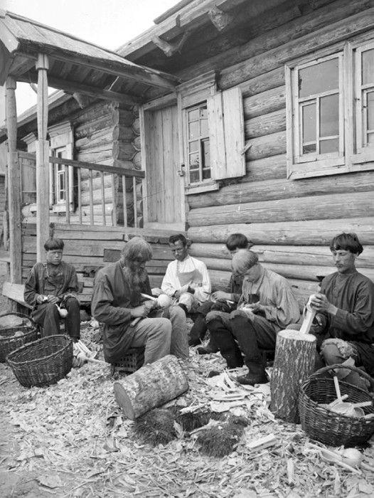 Ложкарное производство. Нижегородская губерния, д. Деяново, 1897 г.