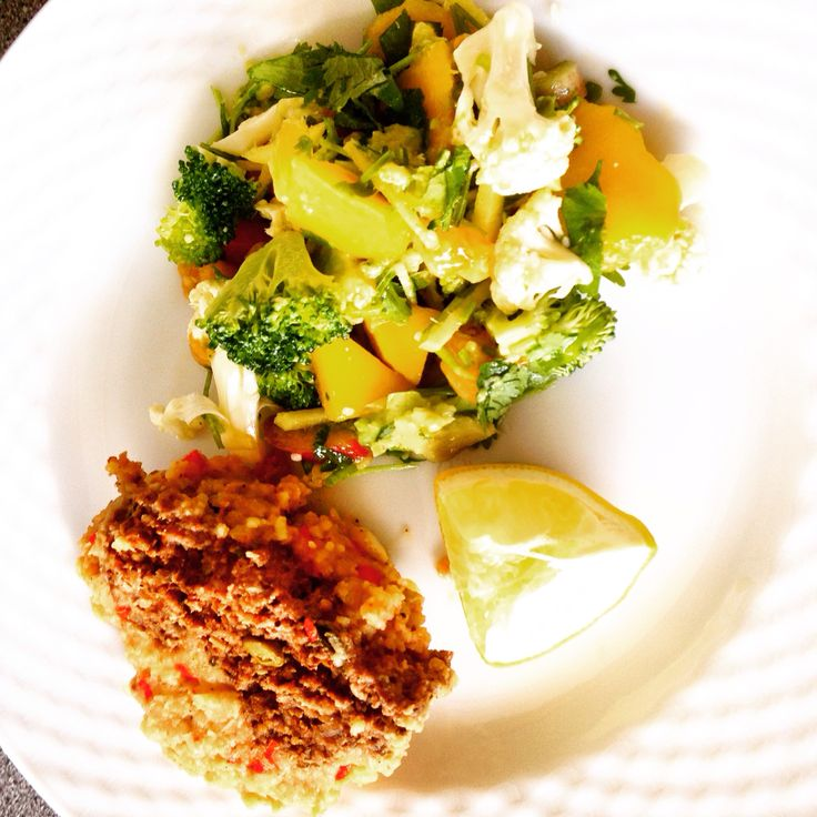 Spicy Meatloaf with mash potatoes paprika chili, served with cauliflower, broccoli & mango salad