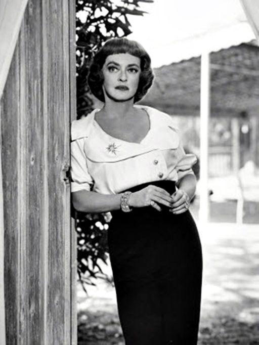 Bette Davis Dead Ringer, 1964. uploaded by www.1stand2ndtimearound.etsy.com