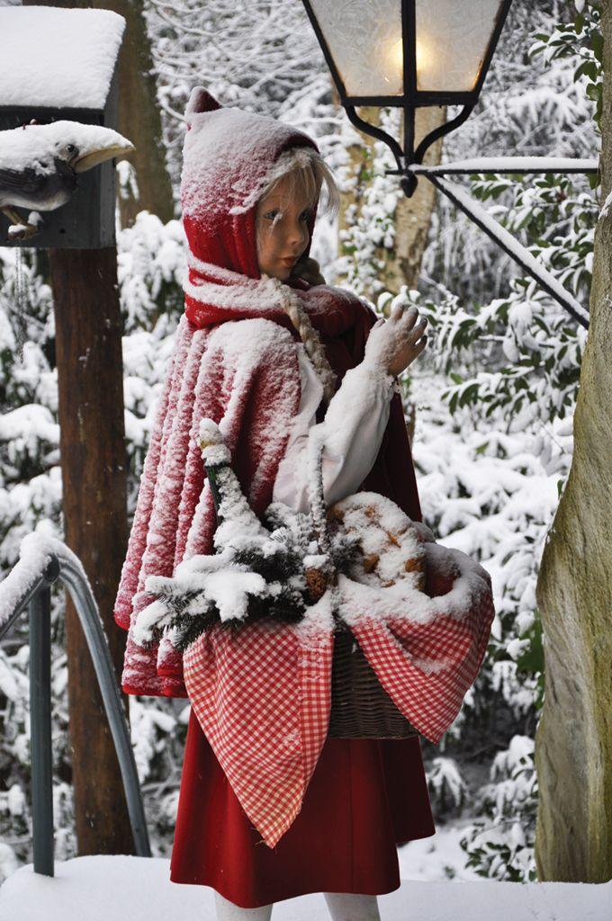 Roodkapje in de sneeuw