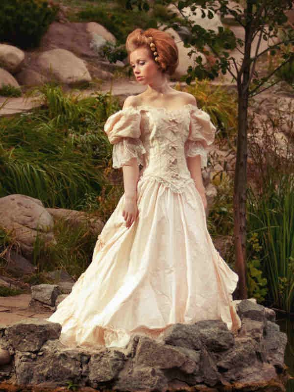 17 best images about renaissance wedding dress on for Renaissance inspired wedding dress