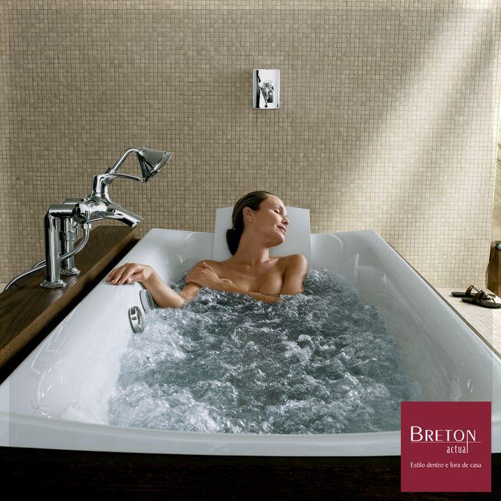 """#DesejodaSemana """"VibrAcoustic"""" é a banheira criada pelo designer Kohler. Através de alto falantes escondidos na banheira, as ondas de som produzem sutis vibrações na água, permitindo que o banho tenha o ritmo das músicas selecionadas. Quem não gostaria de um banho assim?  #BretonActual #Breton #Kohler #Vibracoustic #Banheira #Musica #Ondassonoras"""