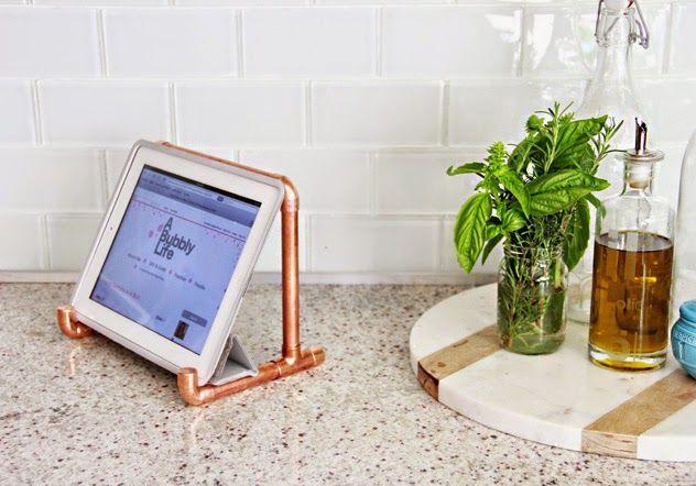 DIY, un support en tuyaux de cuivre pour tablette iPad, sans soudure!