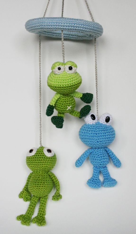 Gratis patroon kikker mobile Free crochet pattern frog mobile