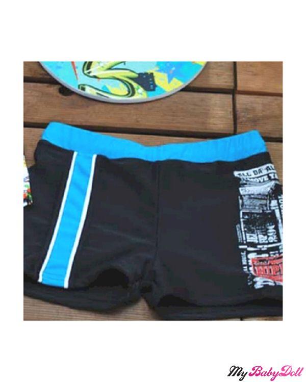 Παιδικό Μαγιώ Boxer – Hippies By Crool  Δείτε εδώ > http://mybabydoll.gr/shop/boy/paidiko-magio-boxer-hippies-by-crool-e14-562/  Παιδικό μαγιώ boxer της ελληνικής εταιρείας Crool. Ένα μαγιώ που θα λατρέψουν οι μικροί μας φίλοι αλλά και οι γονείς με την άριστη ποιότητα του. Διαθέτει στάμπα γραμμάτων στο μπροστινό μέρος και λάστιχο. Στεγνώνει εύκολα μετά την έξοδο από την θάλασσα.