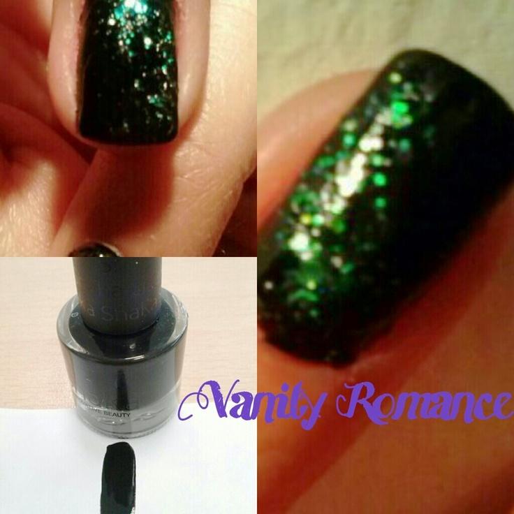 Smalto SHAKA nero opaco con glitter ^_^
