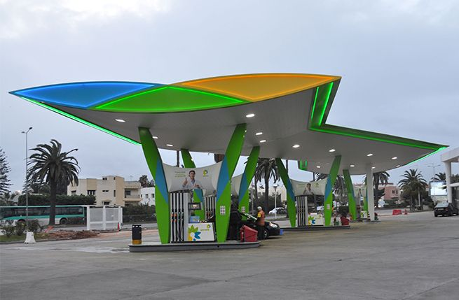 A bold reimaging of both the forecourt and shop identity was necessary to challenge incumbents Shell, Total and Afriquia and to position Winxo as a local brand of international repute.