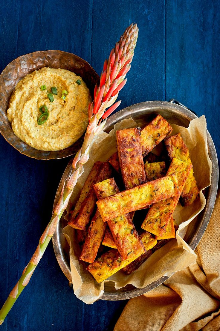 Chickpea-Roasted Garlic Fries with Almond Curry Sauce - Masala and meatballs -#Glutenfree - CaliZona