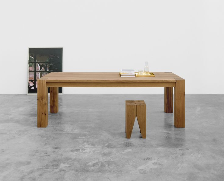 Tray ITO in solid brass by Philipp Mainzer. Table: BIGFOOT™. Stool: BACKENZAHN™. / www.e15.com #e15 #solidwood #oak