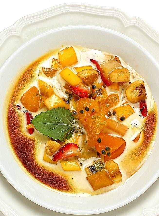 Gratinerad sabayon med frukt | Recept från Köket.se
